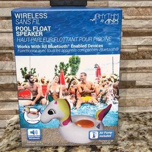 Wireless pool float speaker